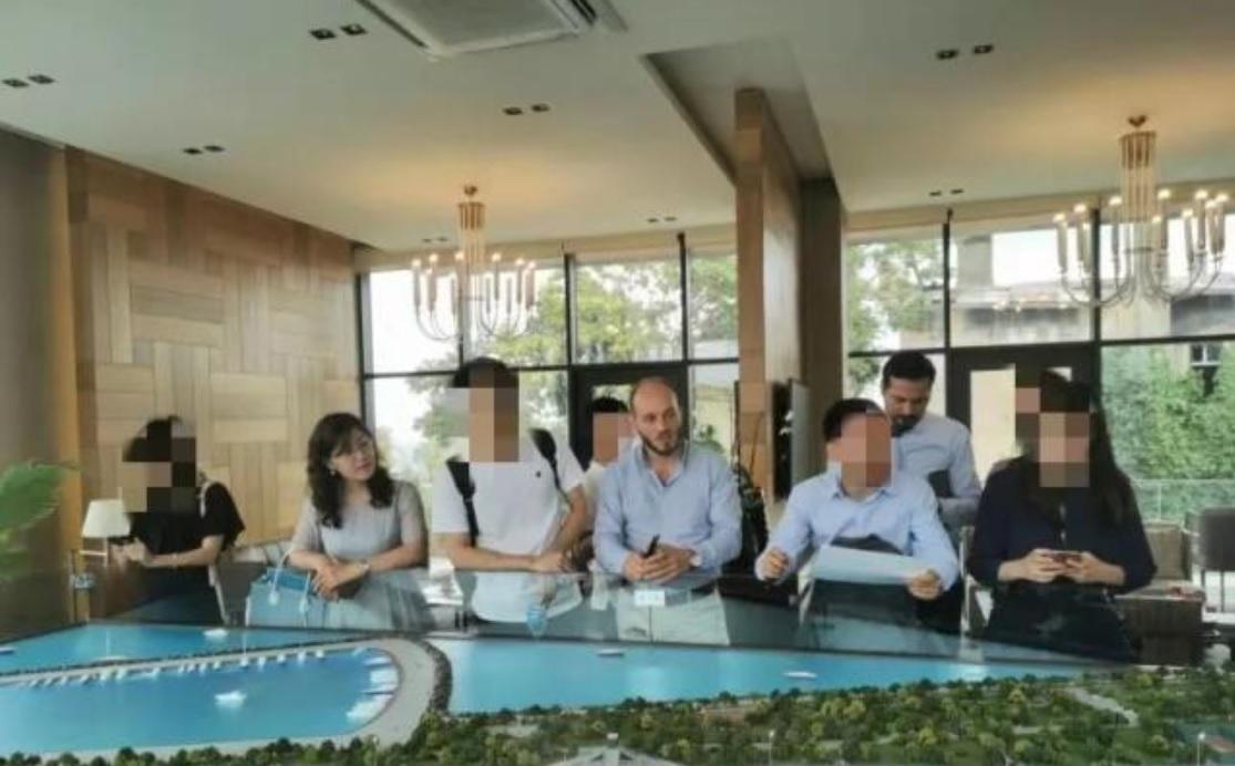 人头攒动的售楼处,到处都是中国面孔——安信达土耳其考察记
